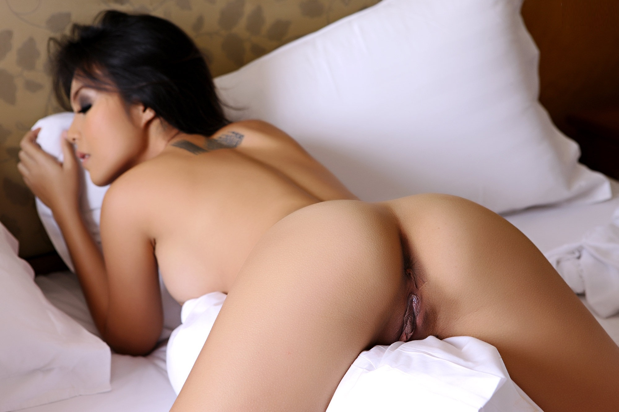 Hot asian naked pussy