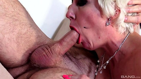 Mature bald pussy anal
